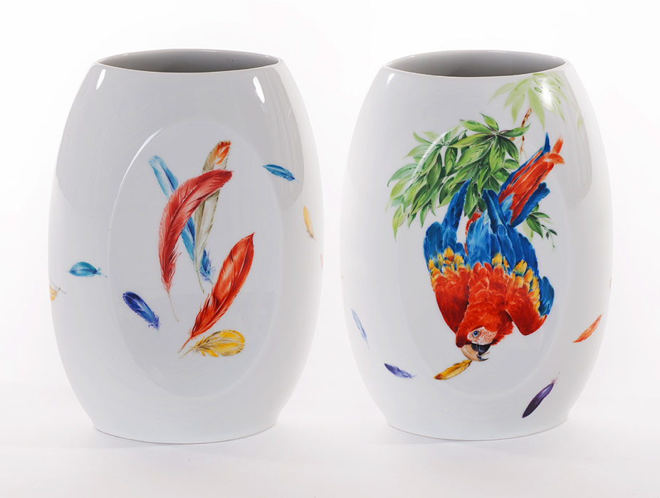 Vases with Parrot