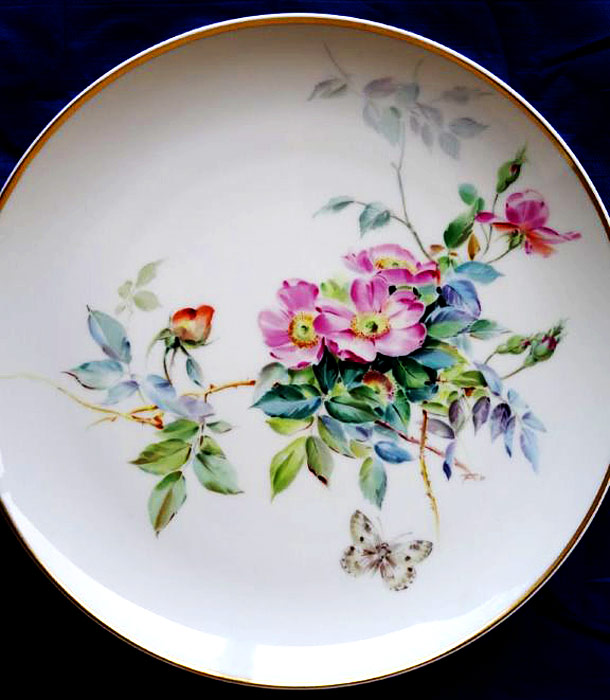 Plate with wild roses